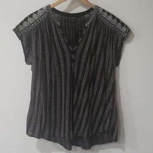 Lucky Brand embroidered flowy tunic size 1X